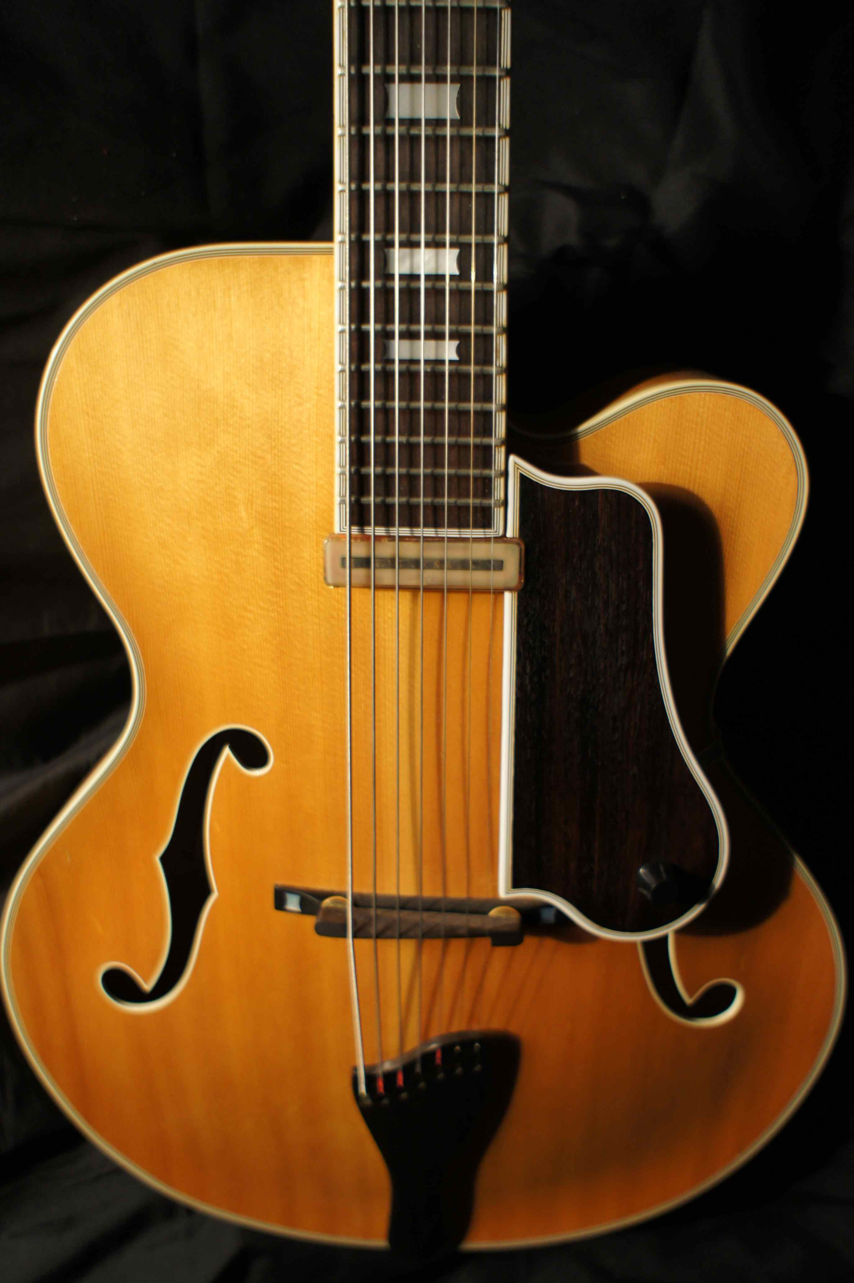 bob benedetto 7 string fratello archtop jazz guitar 1982 tune your sound. Black Bedroom Furniture Sets. Home Design Ideas