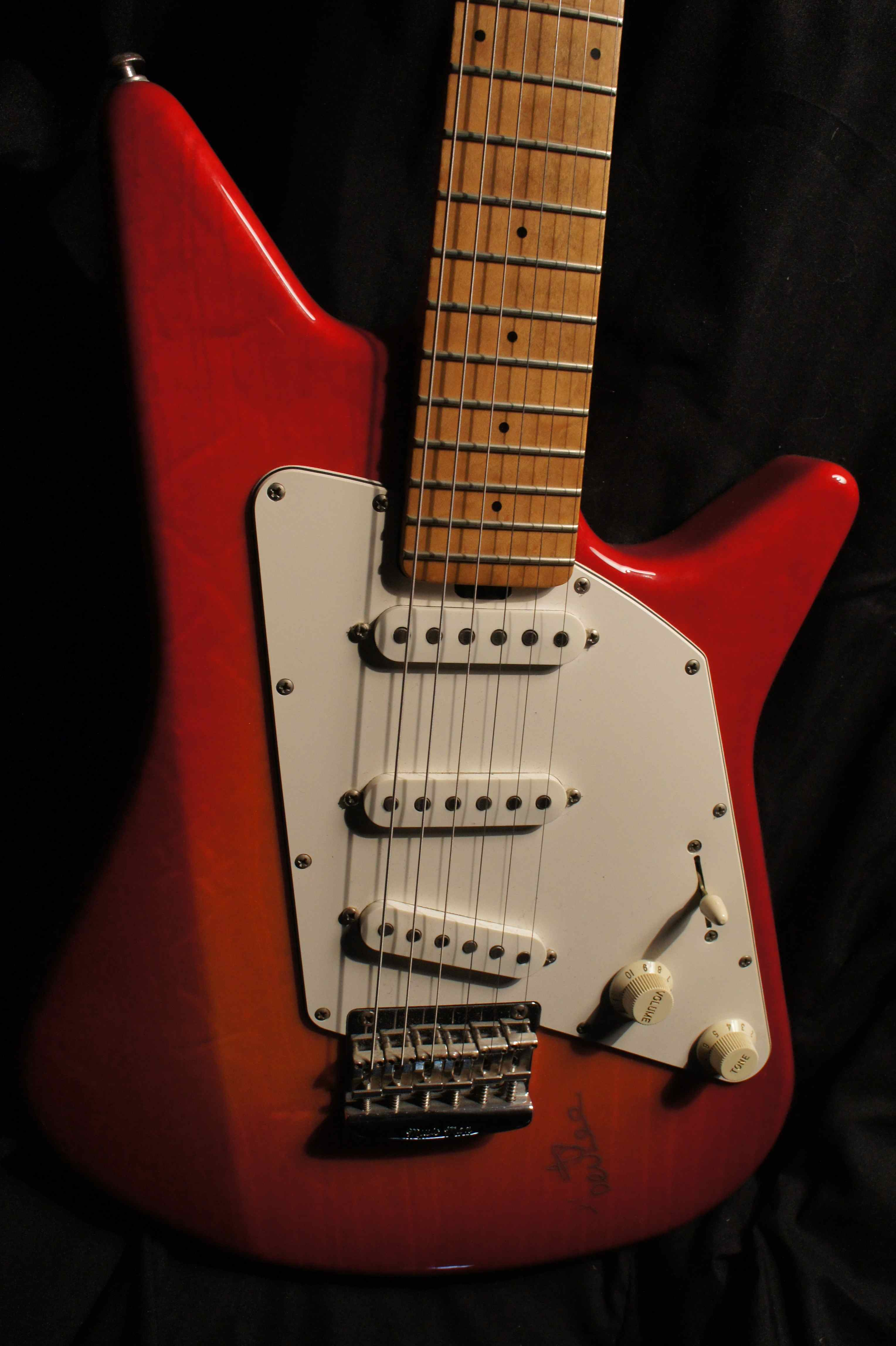 Musicman Albert Lee Signature Guitar 1999 Tune Your Sound