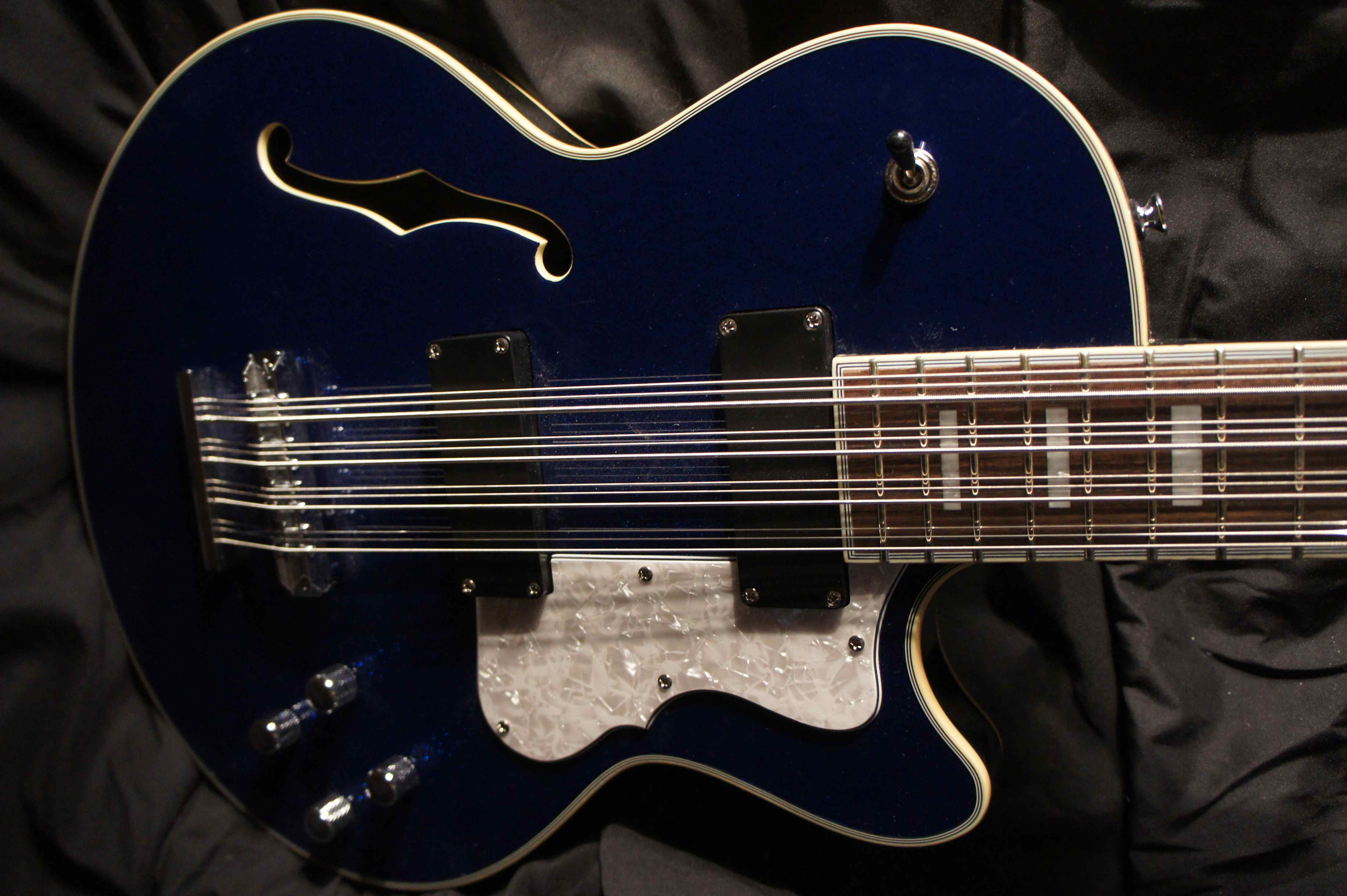 waterstone 12 string bass 2005 tom petersson cheap trick tune your sound. Black Bedroom Furniture Sets. Home Design Ideas