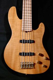 fender american deluxe jazz bass 5 string qmt rhonda smith tune your sound. Black Bedroom Furniture Sets. Home Design Ideas