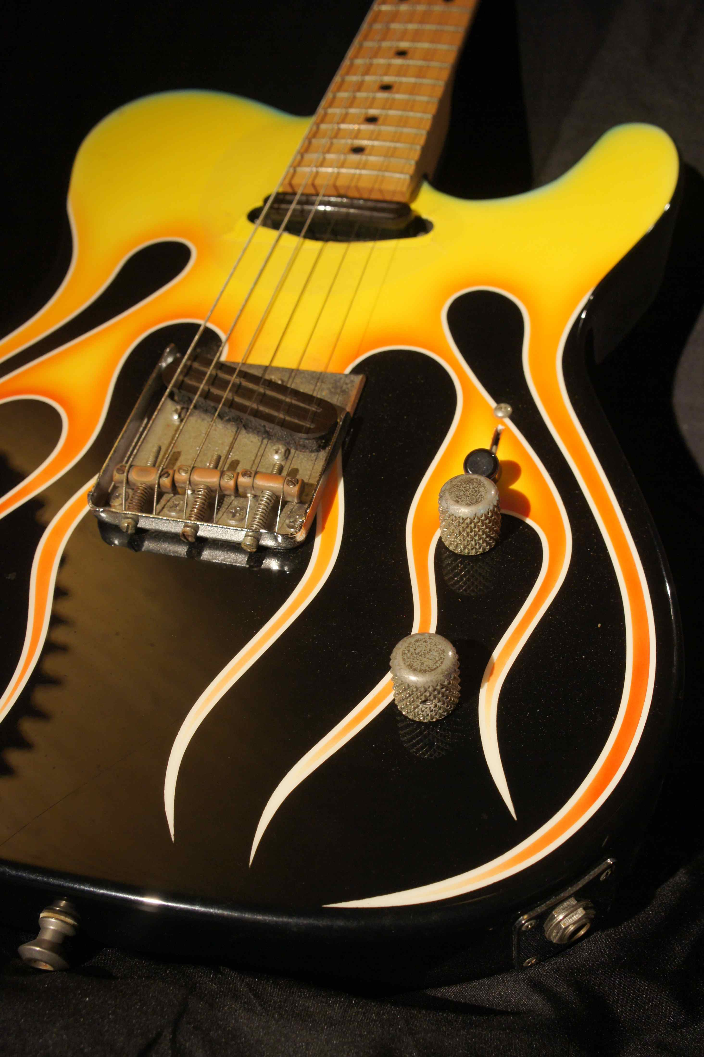 hot licks  original telecaster flame guitar  1993