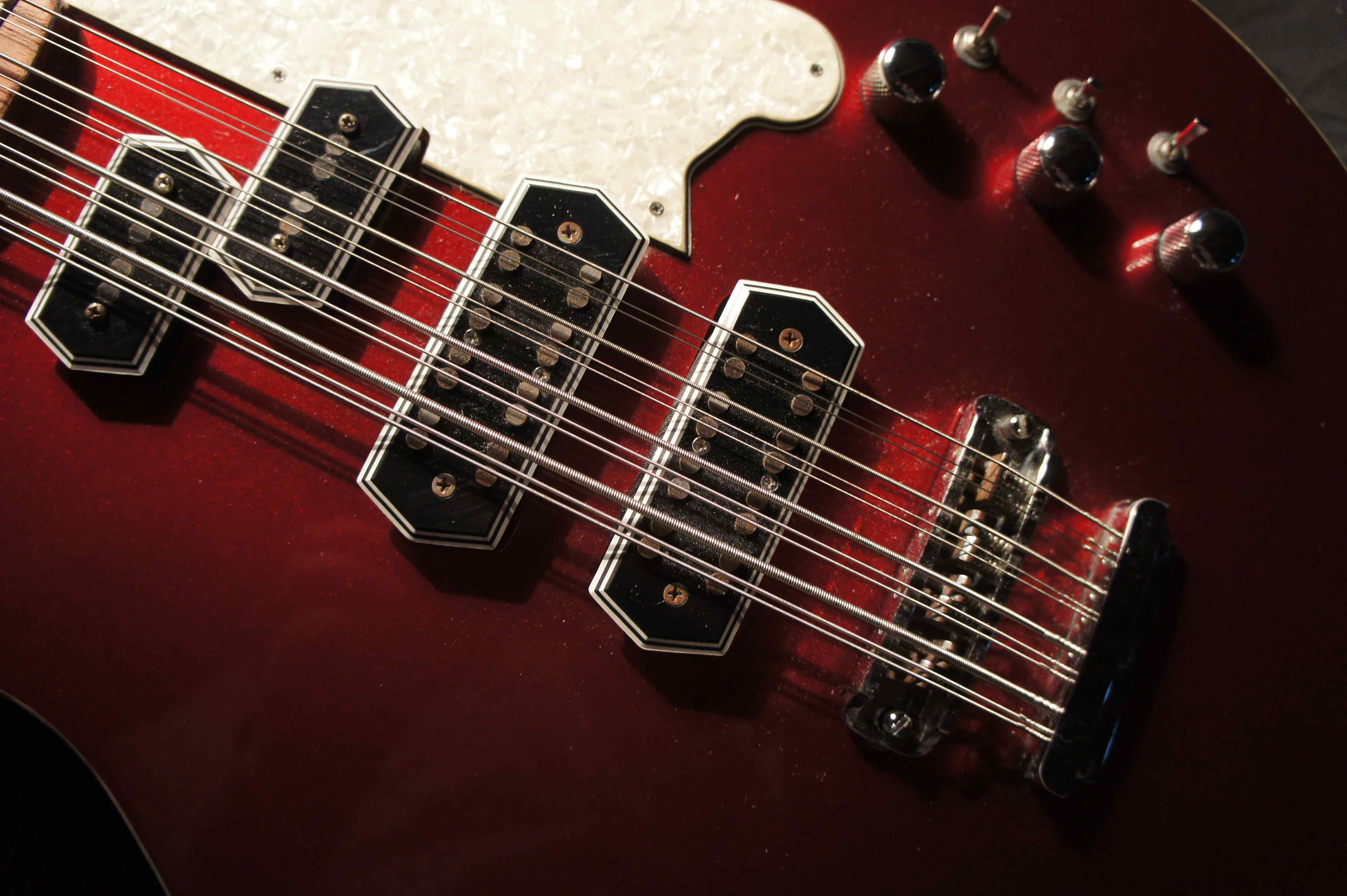 chandler royale 12 string bass 2001 tom petersson cheap trick tune your sound. Black Bedroom Furniture Sets. Home Design Ideas