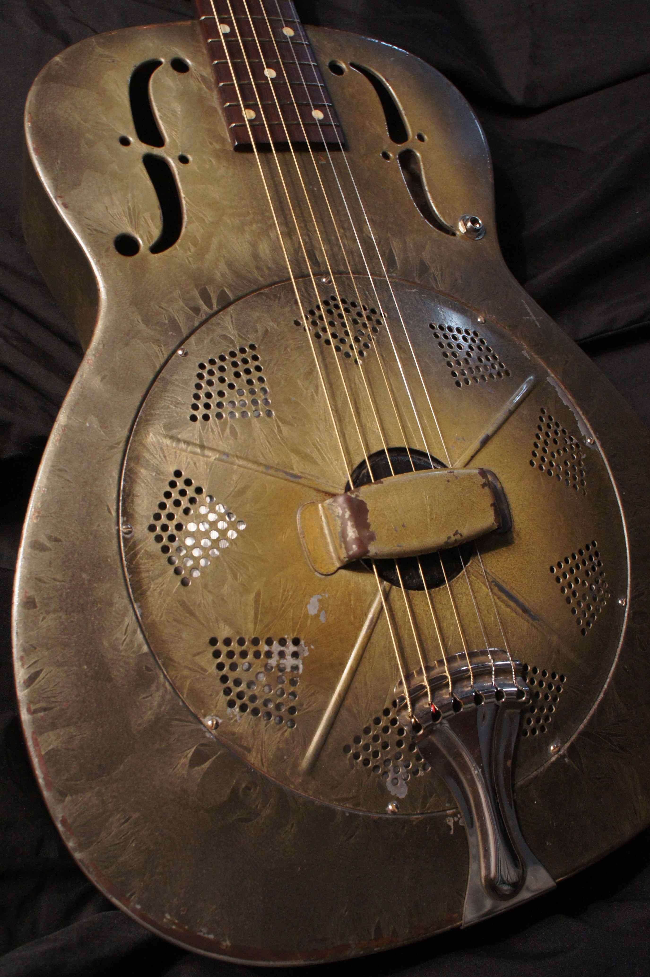 National C Series Roundneck Green Duolian Resonator Guitar 1934