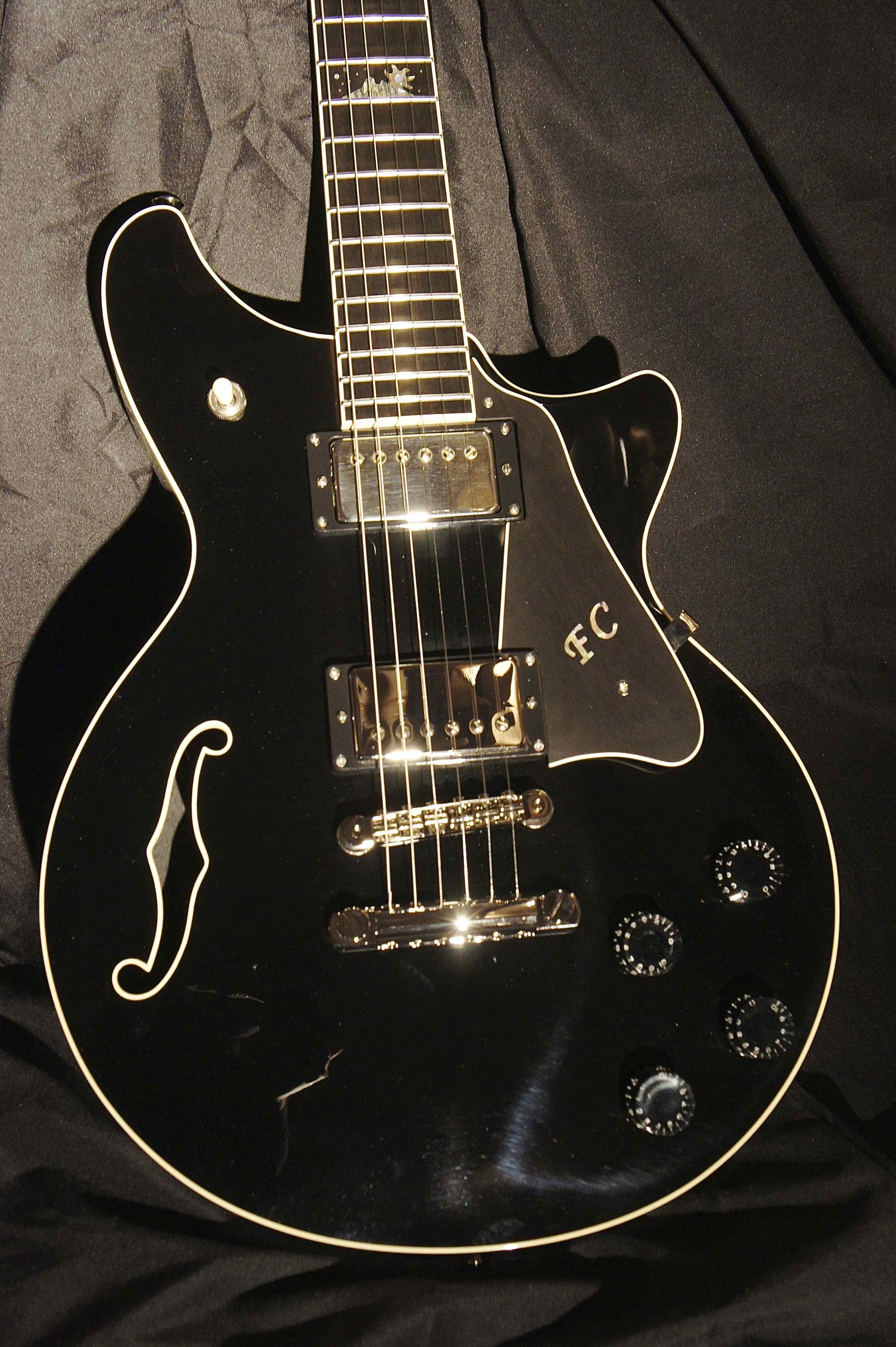 the latest custom built terry mcinturff guitar tune your sound. Black Bedroom Furniture Sets. Home Design Ideas